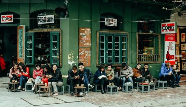 Cà phê vỉa hè tại Hà Nội