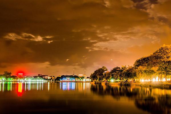 Vẻ đẹp hồ Goong