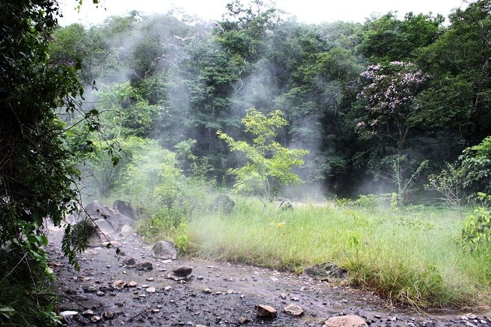Suối nước nóng Hua Pe