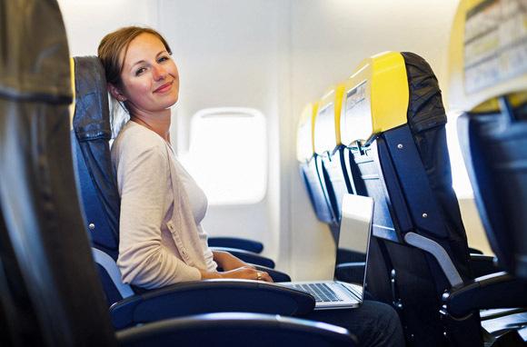 6 loại phí máy bay bạn phải trả mà không biết