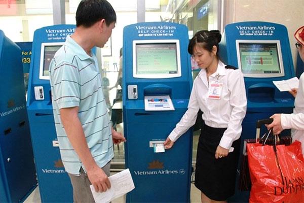 Check in tại các kiosk tại sân bay