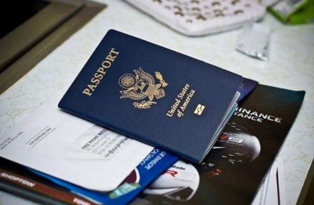 Lần đầu đi máy bay cần giấy tờ gì, chuẩn bị ra sao?