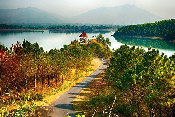 Mênh mông Biển Hồ T'Nưng